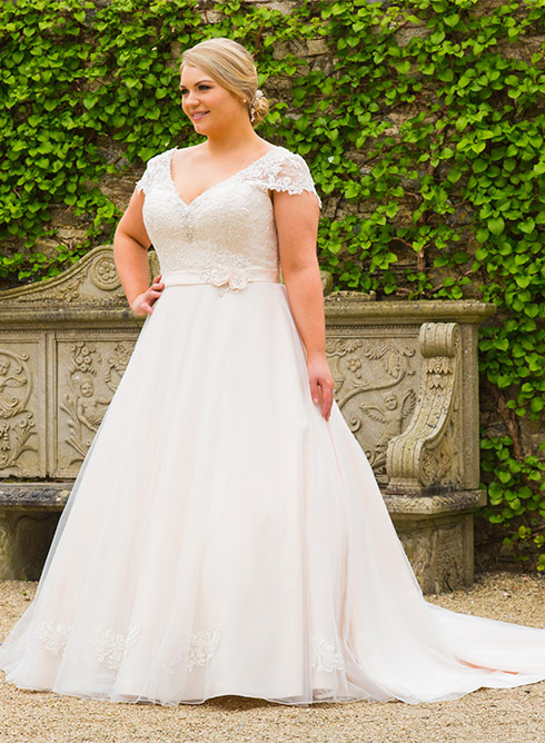 Brautkleid XXL Love your Curves